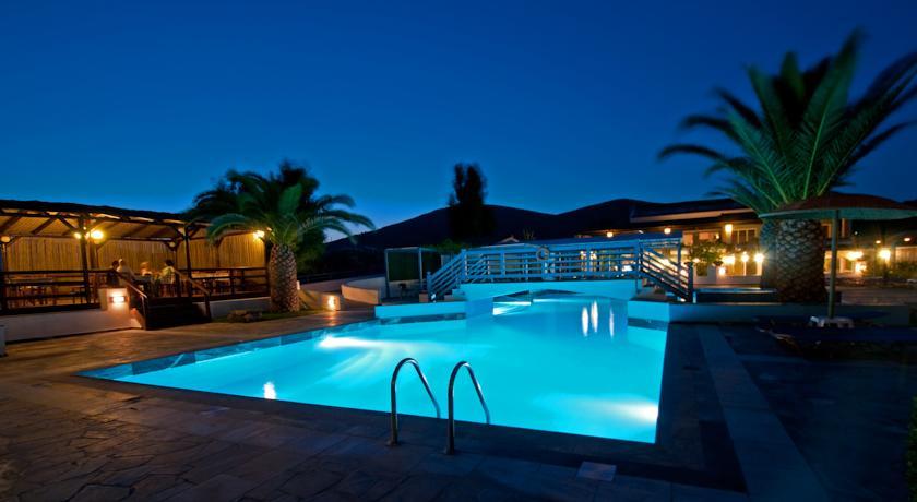 Zefiros Beach Hotel Samos