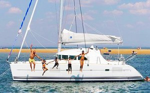 yachting and tennis cat_lagoon380-1