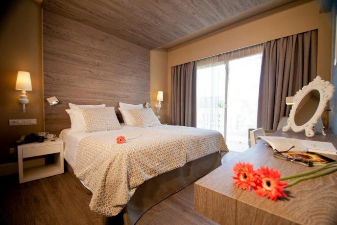 Illa Dor Hotel Rooms