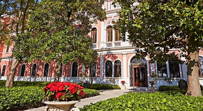 Hotel San Clemente Apartments Reviews